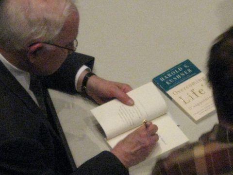 Rabbi Kushner personalized his speech and his books